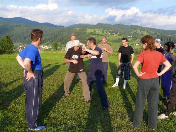 Тренировочный лагерь в Карпатах, 2009 год. Туй-шоу.